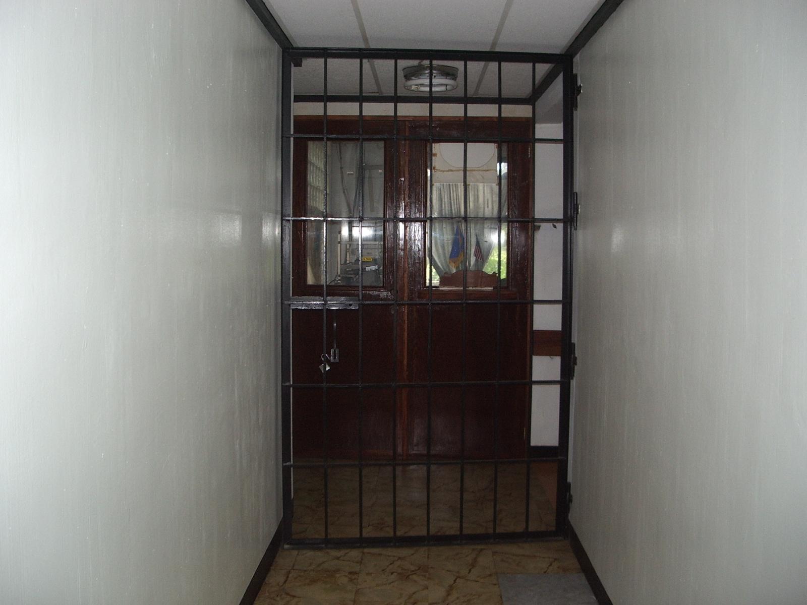Jail box